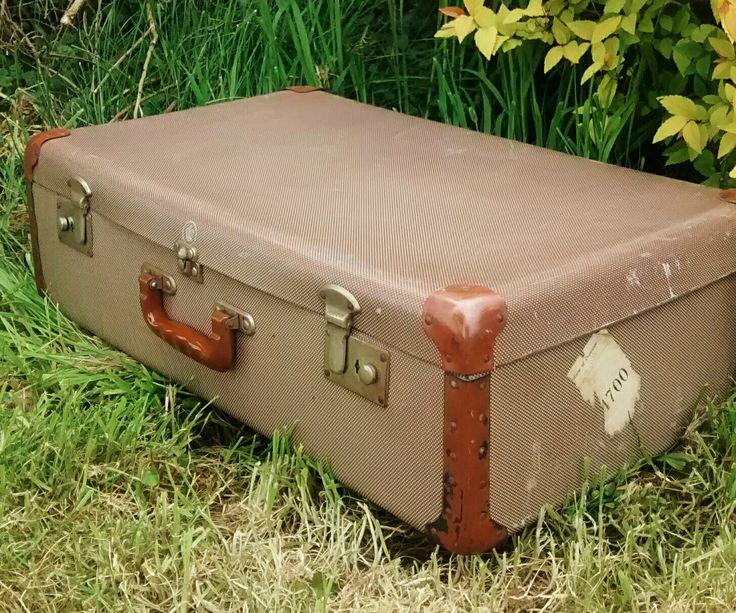 Vintage suitcase  Kalicohome.com