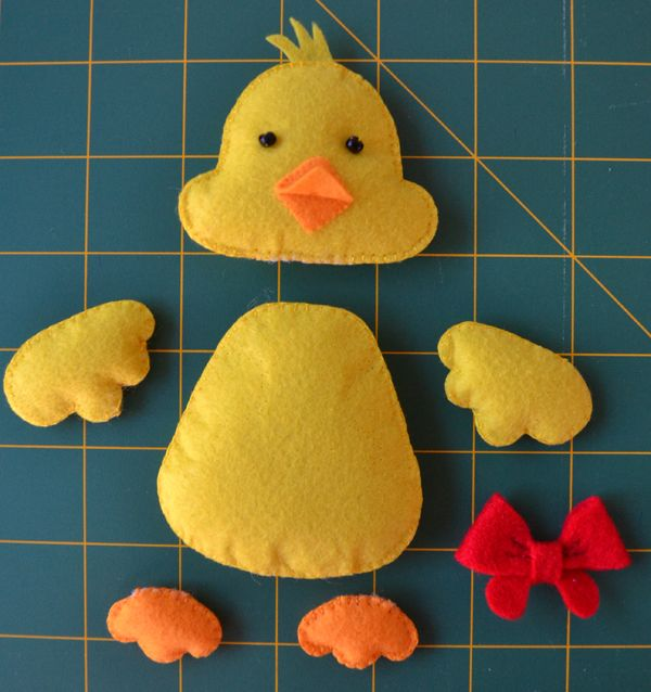 I have missed working with felt, so I decided to make a felt chick for Easter. It took me quite a long time to draft up the pattern (as le...