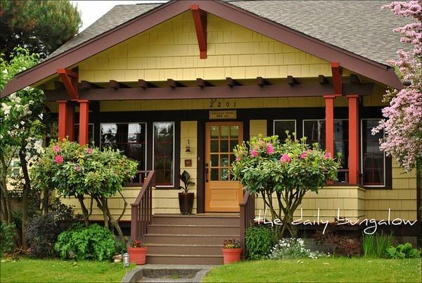 Bungalows... One of my one true loves.: Exterior Colors, Paint Colors, Architecture, Photo, Exterior House Colors, Craftsman Bungalows
