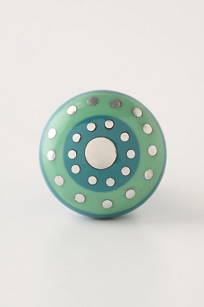 This is a pretty knob...I love that it has green and blue!