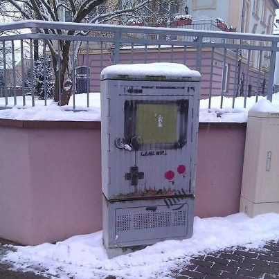 Street Art Game Boy. It's a utility box in Nordhausen, Germany. Photo by Kevin Vetters.