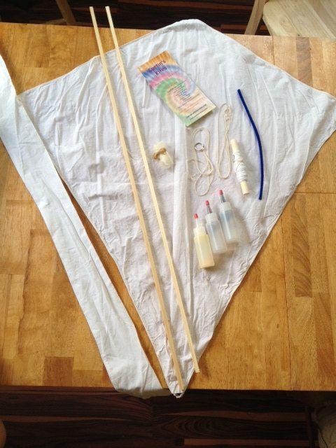Make your own tie-dye kite kit by CurtinsKites on Etsy, $25.00