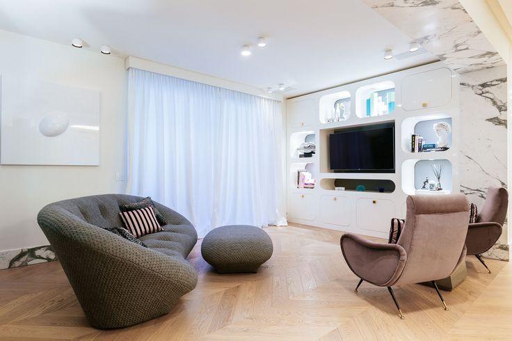 #Carosello tv stand in a #livingroom setting, design by Valentina Fontana for #altreforme, #novecento collection, #interior #home #decor #homedecor #furniture #aluminium #woweffect #madeinItaly