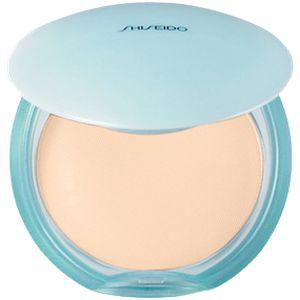 Shiseido Pureness Matifying Compact Oil-Free SPF 15 - Eine ölfreie Puder-Foundation, die zart abdeckt und ein natürliches, seidig-mattierendes Finish verleiht. Vermindert gleichzeitig die Sichtbarkeit von Poren und Hautglanz durch einen Öl-absorbierenden Puder mit mattierendem Effekt. Erhältlich in 6 Farbtönen: 10, 20, 30, 40, 50, 60.