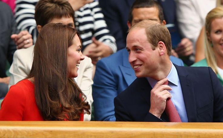 Ook dit jaar waren hertogin Kate en prins William weer van de partij op Wimbledon. Beiden spelen zelf al jaren fanatiek tennis, het is een van hun vele gedeelde hobby's. Het stel heeft onlangs een vergunning aangevraagd om de tennisbaan…