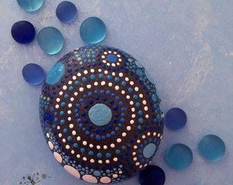 Pintado piedras rocas pintados a mano arte por etherealearthrockart
