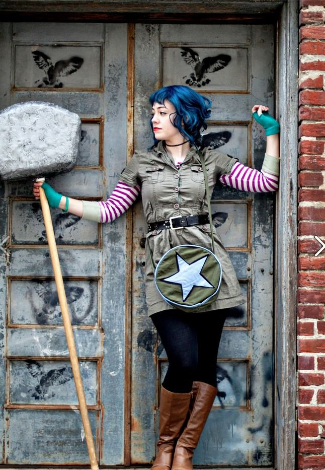 Ramona Flowers (Scott Pilgrim vs the World) cosplay Goodness, it looks just like her.