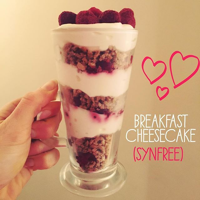 Post-Run #breakfast is #Protein rich #synfree Cheesecake (Synfree using grape-nuts as #HexB ) Yummmmmmmmm and so simple.... Grape-nuts layered with sweetened quark and frozen raspberries, left in the fridge overnight  #SlimmingWorld #swinsta #SWideas #swrecipes #swrunners #swuk #SWmums #swbreakfast #slimming #weightloss #SW #swsuccess #swstudent #swpudding #swdessert #lowsyntreats #cleaneating #healthy #healthyeating #healthyextras