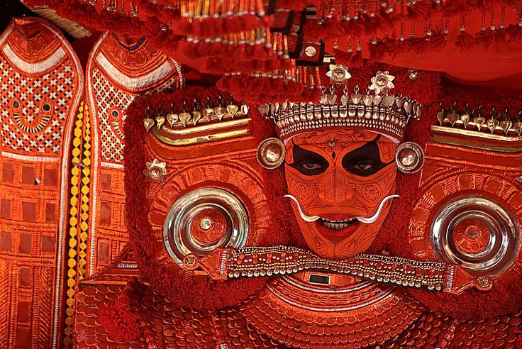 A Performer from the Theyyam religious ritual, Kerala, India - [2323x1555]