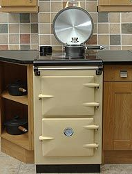 "~~} ""Heritage Uno Stove designed for Narrowboats. Will also heat water and heat the radiators."""