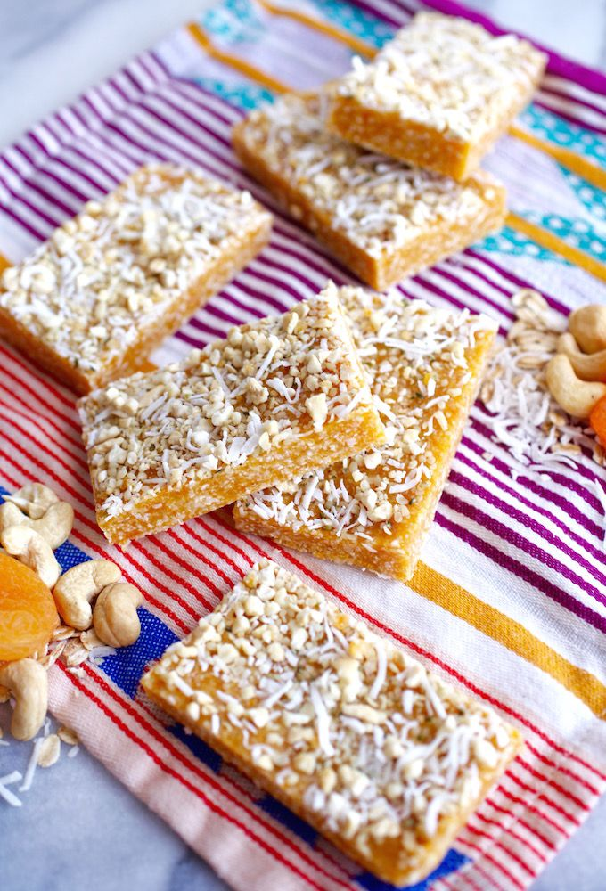 Energy Bar - Apricot & Cashew Energy Bars via Nutritionist in the Kitch