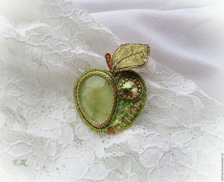 """Купить Брошь """"Зеленое яблочко"""" - салатовый, яблоко, зеленое яблоко, пренит…"""