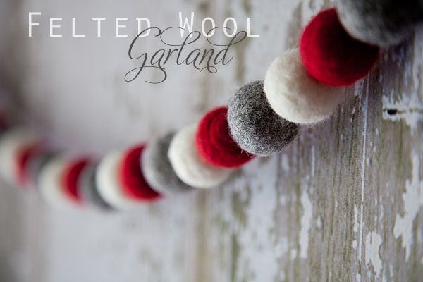 Felted Wool GarlandChristmas Crafts, Decor Ideas, Felt Wool, Diy Crafts, Wool Garlands, Christmas Decor, Pom Pom, Christmas Garlands, Diy Christmas