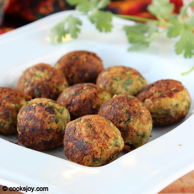 Healthy Zucchini Falafels on http://cooksjoy.com/blog
