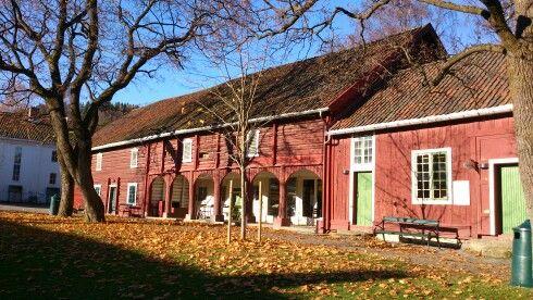 Stallene på Gjøvik Gård