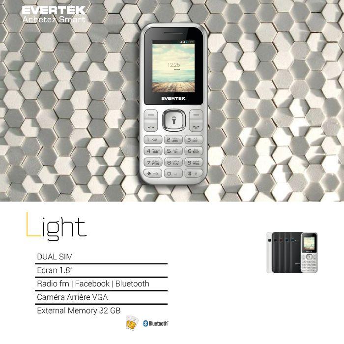 Nouveau de la Série Cosi d'Evertek, le Light est un téléphone à toutes épreuves. Solide est robuste, il est conçu pour... APPELER. Tenir la charge et etre hyper performant. Il est à noter qu'il est élégant avec une excellente finition. Il est décliné en 5 couleurs. Vous trouverez alors sans doutes le Light qui vous va !