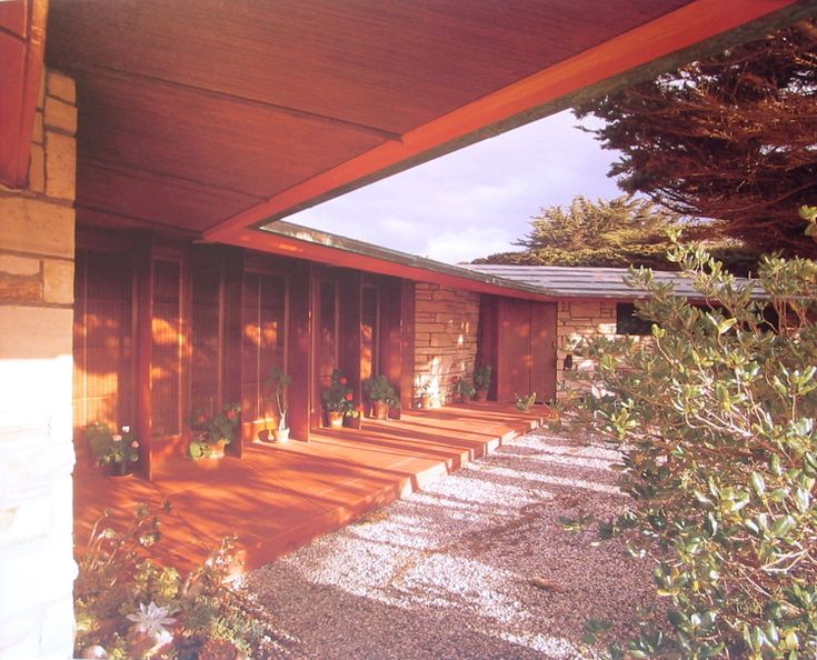 Walker carmel california usonian style for Frank lloyd wright california