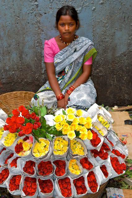 ✯ Flower Seller in Dadar Flower Market - Mumbai, India - Arun Shanbhag ✯: Arun Shanbhag, India Photo, Flowers Seller, Girls Sell, Flowers Marketing, Sell Rose, Dadar Flowers, Flowers Shops, Colors India