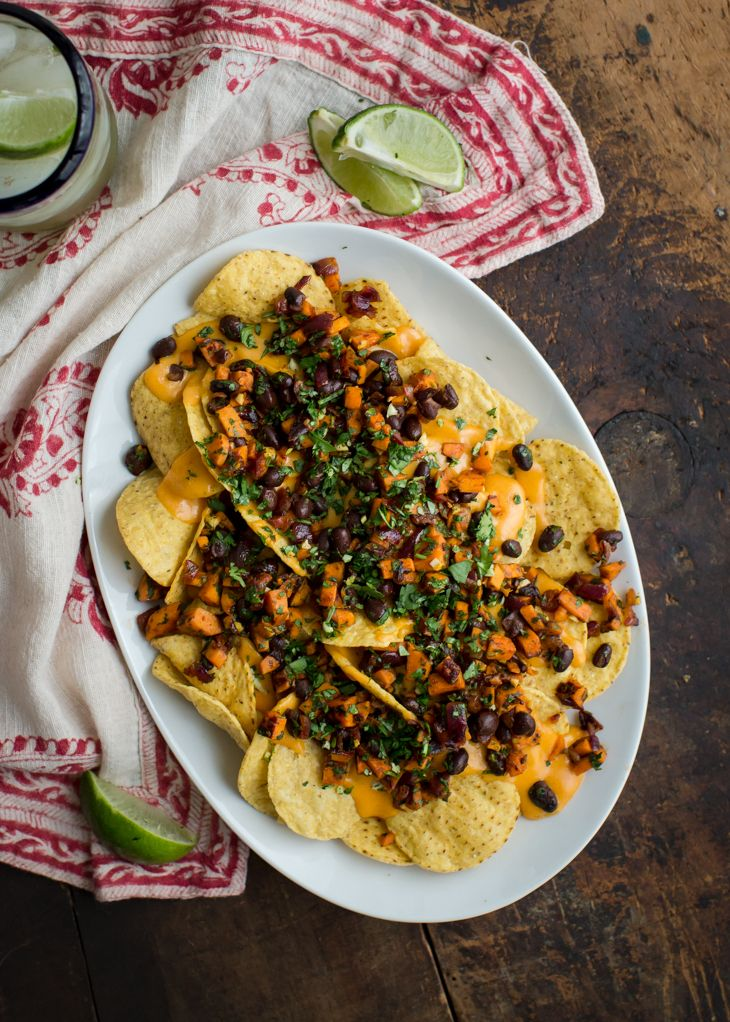 Best 25+ Vegetarian nachos ideas on Pinterest | Vegetarian ...