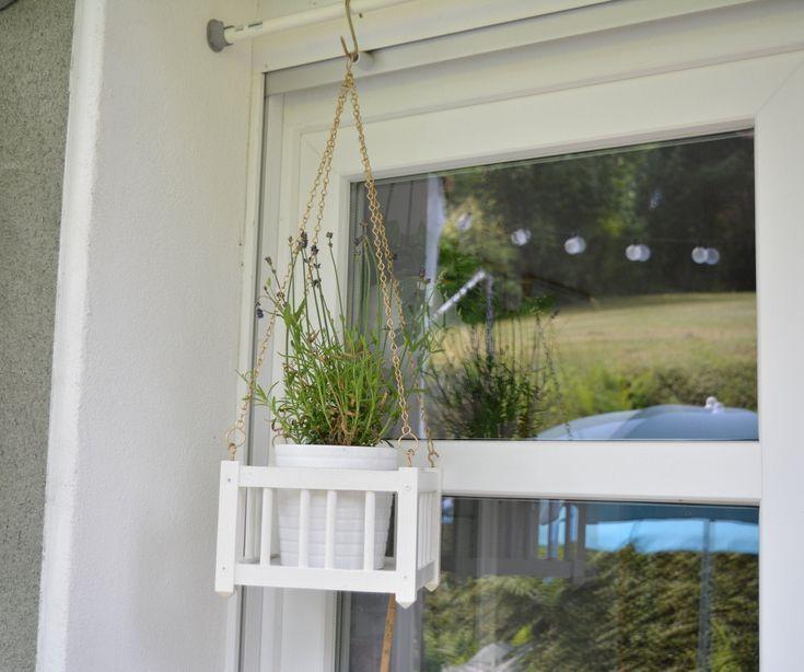 alte Blumenampel aus Holz, shabby chic Blumenaufhängung, handgemachte Blumenampel für Balkon und Garten, Blumentopfhalter, Geranienampel
