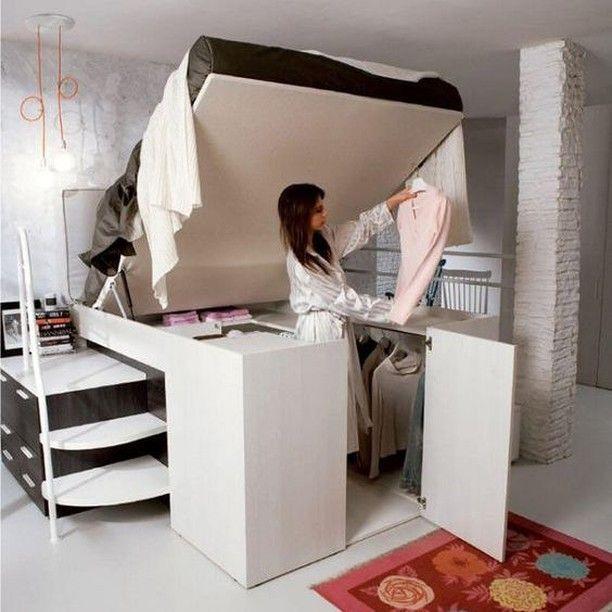 Ein bequemes Bett in Kombination mit einem geräumigen ...