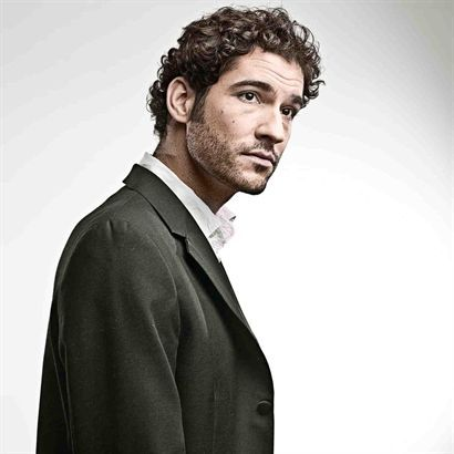 Tom Ellis - if only I was actually Miranda and this chap wasn't married to a beautiful actress already, gahh