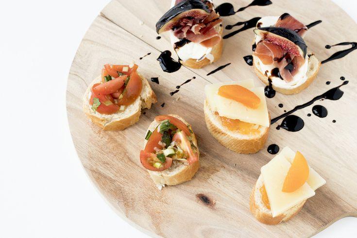 OUD & NIEUW: 3x lekkere hapjes op stokbrood (video) http://degenietendefoodie.nl/2016/oud-nieuw-3x-lekkere-hapjes-op-stokbrood/