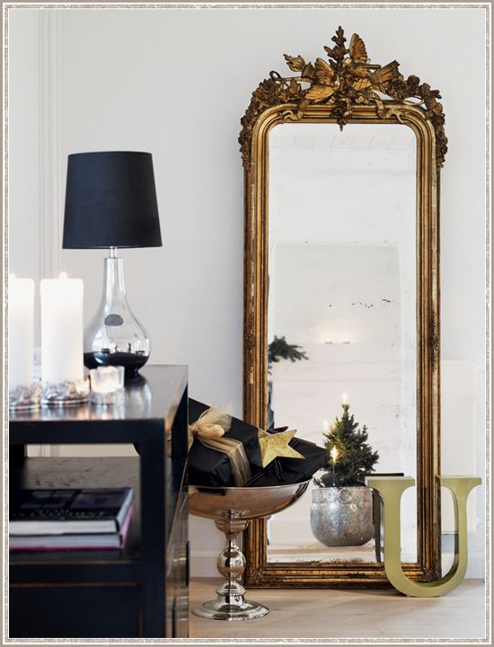 Yep, I would love that mirror....isn't it FAB?Decor, Vintage Mirrors, Design Interiors, Antiques Mirrors, Interiors Design, Black White, Cool Ideas, Black Gold, Mirrors Mirrors