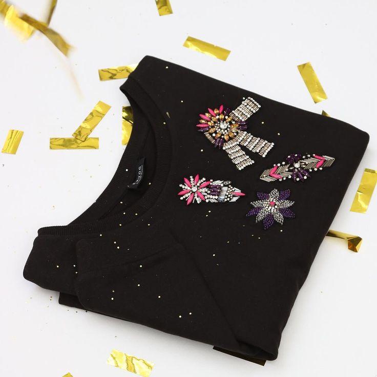 Idée #cadeau : le sweat noir Pocey 100% coton bio avec ses magnifiques ornementations réalisées à la main !  #christmasiscoming #gift #ideecadeau #noel #lovelygift