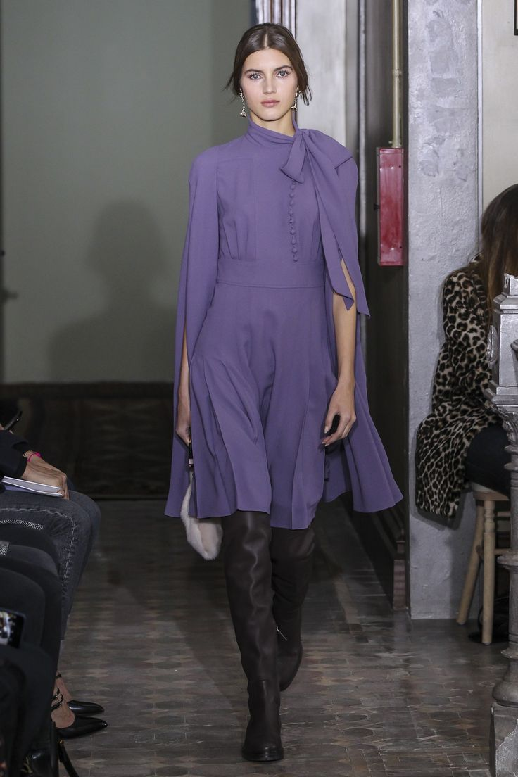 Valentino Pre Fall 2017 Fashion Show Kl Der Design Och Inspiration