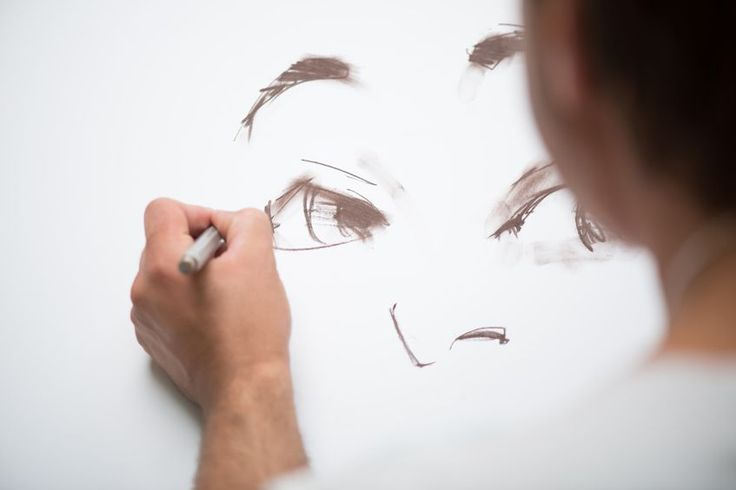 Using Templates In Your Portrait Drawings To Increase Realism | www.drawing-made-easy.com | #realism #portrait #drawing