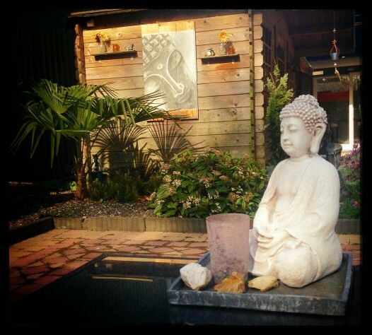 Boeddha tuinschilderij tuin terras tuinideeen tuininrichting muur zithoek lounge hout design inspiratie  Www.creativeartbyjessica.nl