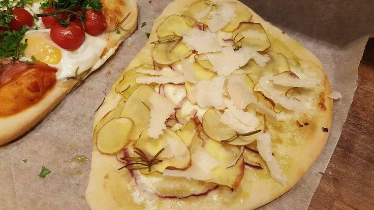 Jeg elsker en god kartoffelpizza, det er simpelthen så lækkert.. Jeg har bare ikke selv prøvet at lave det før...
