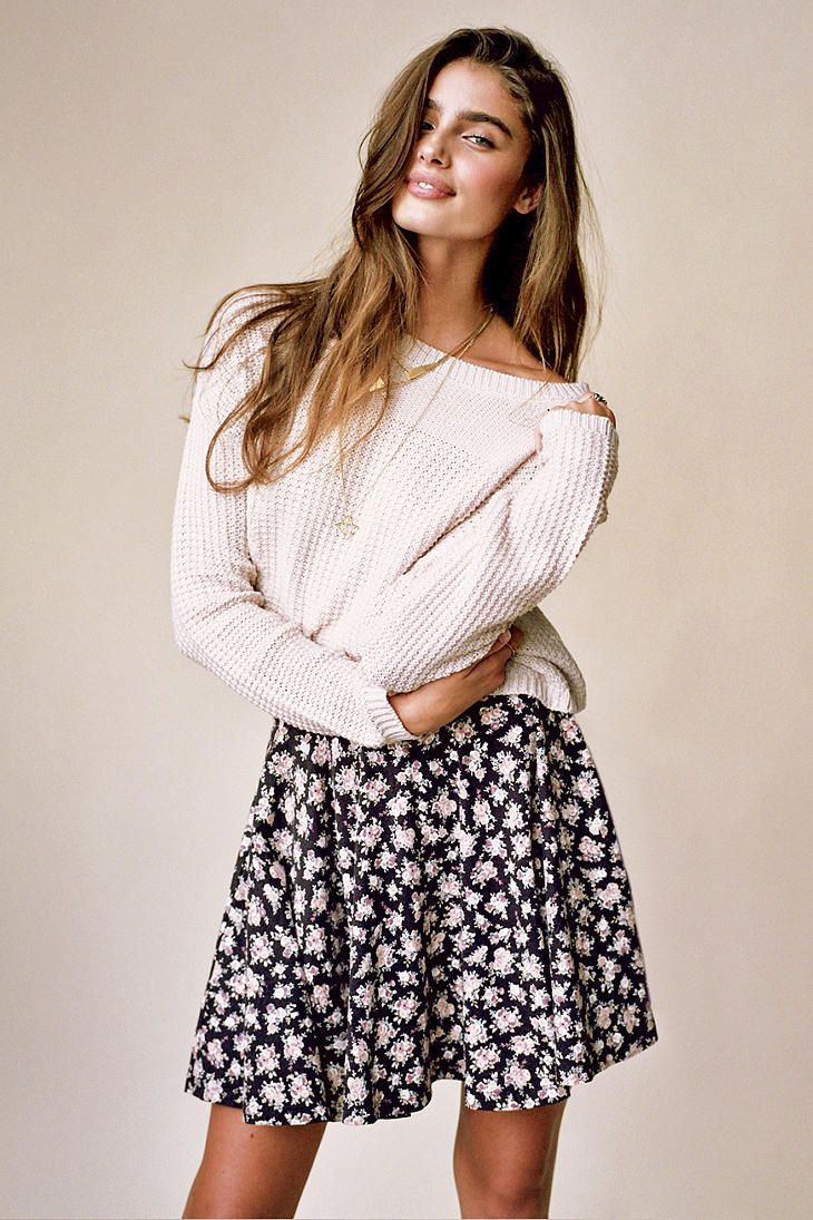 Silence + Noise Stitch Cropped Sweater urbanoutfitters croppedtop  croppedsweater