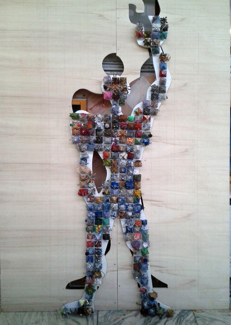 """""""Man/Food/Energy"""" (in corso d'opera), elaborato di gruppo degli allievi delle classi 2A,1A,1B,1C del Liceo artistico Stagi di Pietrasanta per EXPO Milano 2015/PlayEnergyEnel. Materia: Laboratorio artistico, dimensioni finali cm.206Lx312H."""