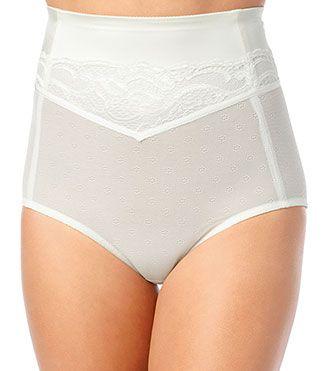 9. HIGH WAIST Celana dalam model high-waist dirancang untuk merampingkan perut. Biasanya pada wanita berumur atau wanita yang baru melahirkan akan muncul tonjolan/gelambir di sekitar perut. Tentunya hal ini menyebabkan tidak anggun jika menggunakan pakaian yang ketat. Untuk mengelabuhinya, gunakanlah celana dalam jenis high-waist.