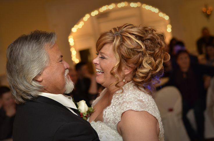 Couples photography, wedding photography, bride and groom photos.  Ottawa Wedding Photography. www.kellyharperphotography.ca