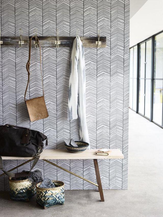 Dupe de ce papier peint avec la collection Sophie Ferjani pour 4murs! entryway #wallpaper #grey