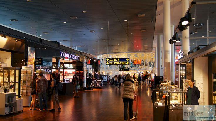 Vielzahl an Duty Free Shops in Kopenhagen - Check more at http://www.miles-around.de/trip-reports/economy-class/sas-airbus-a320-200-economy-class-kopenhagen-nach-berlin/,  #A320-200 #Airbus #Airport #avgeek #Aviation #CPH #EconomyClass #Flughafen #Lounge #Reisebericht #SAS #SASGo #SASGoldLounge #SASLounge #Trip-Report #TXL