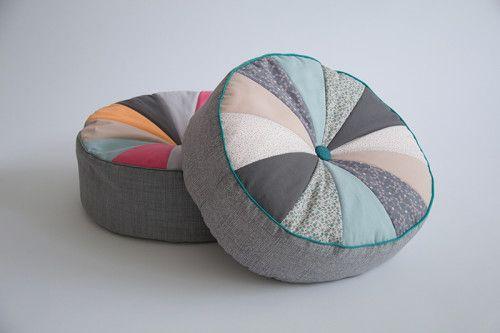 sitzkissen pouf selber n hen free pattern blog and diy tutorial. Black Bedroom Furniture Sets. Home Design Ideas