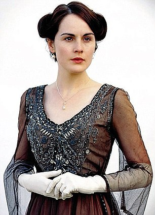 "Lady Mary    ""This dress was made of original beading so delicate that it couldn't be worn again.""    -- costume designer Susannah Buxton: Costumes, Michelle Dockery, Lady Mary Crawley, Downtonabbey, Dresses, Michele Dockery, Downtown Abbey, Downton Abby, Downton Abbey"