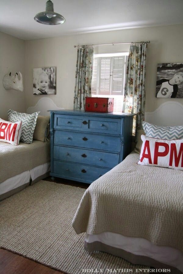 Neutral colors with some accent colors for preteen boys room