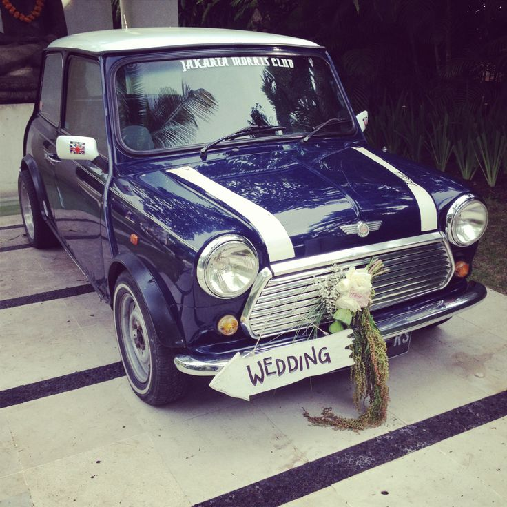 Mini Cooper with Wedding Directory signage
