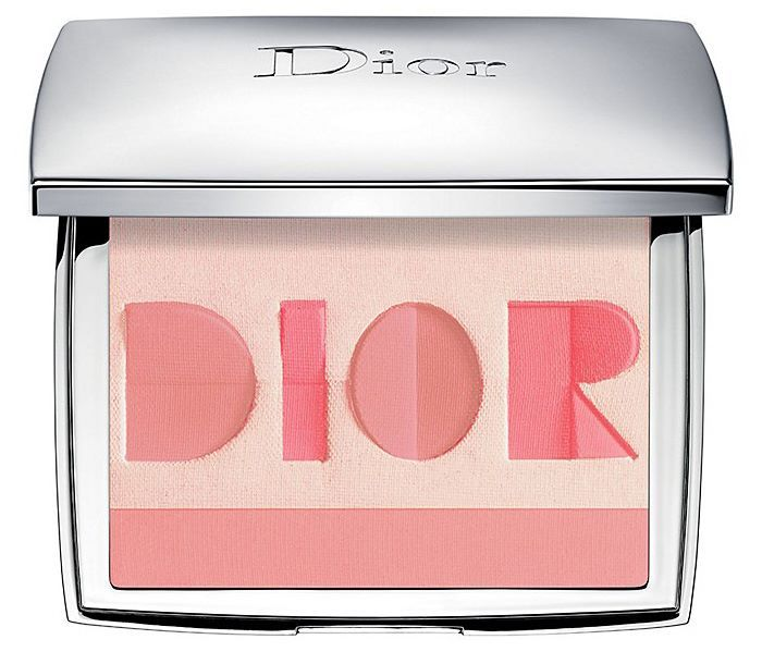 Dior Origami Multi-Shade Blush Palette is a limited edition release for Fall 2017 season and retails for $86.00.
