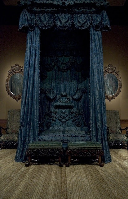 17th Century Bed, The Metropolitan Museum of Art, NY. Silk damask in dip dyed blue, used for hangings on a late 17th Century English Bed. www.humphriesweaving.co.uk