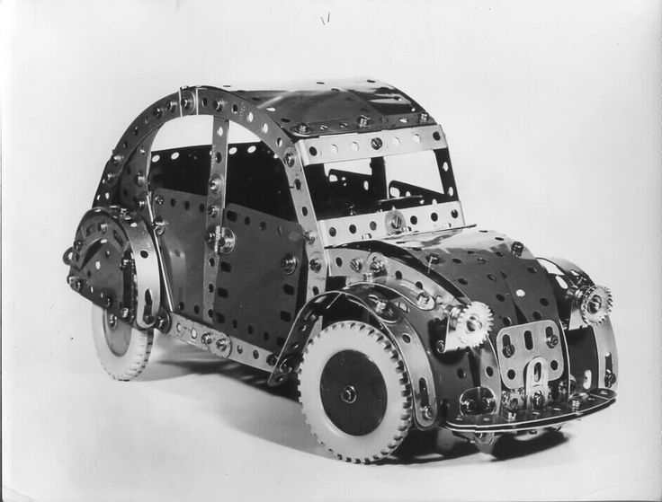 Meccano Citroen 2CV from an old conememorative book published by Citroen
