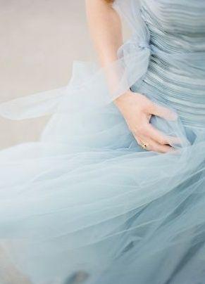 Soft and flowy dusk blue dress #blue #wedding #ideas