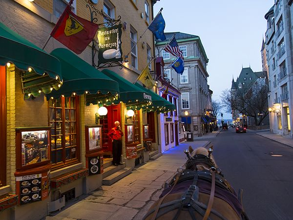 Picture of a horse drawn carriage in Quebec City, Canada