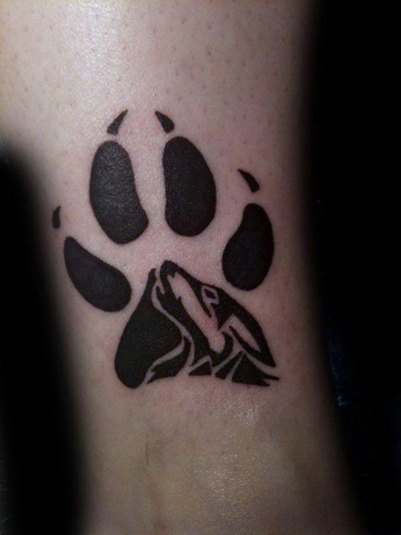 ... inkideen männer tattoo tier wolf wolf paw tattoo wolfstatze tattoos