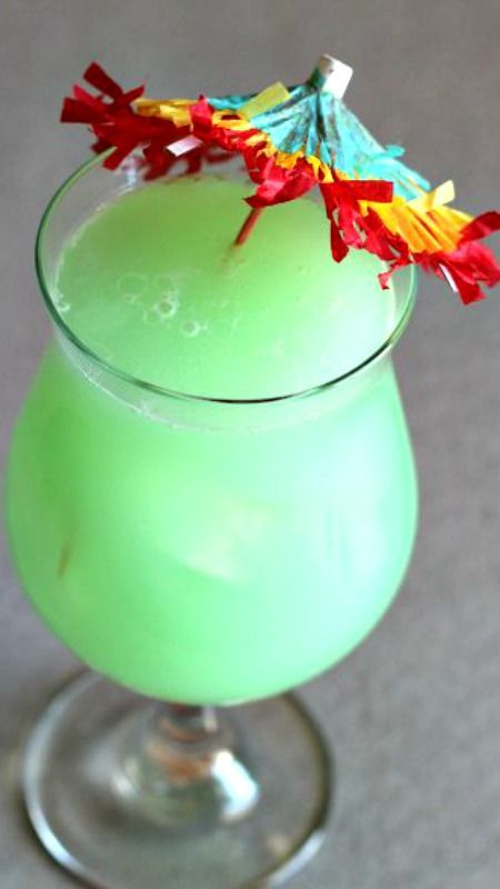Hpnotiq Breeze Recipe ~ Hpnotiq-based cocktail. It also features coconut rum and pineapple juice to add to the tropical fruit flavors in the liqueur.